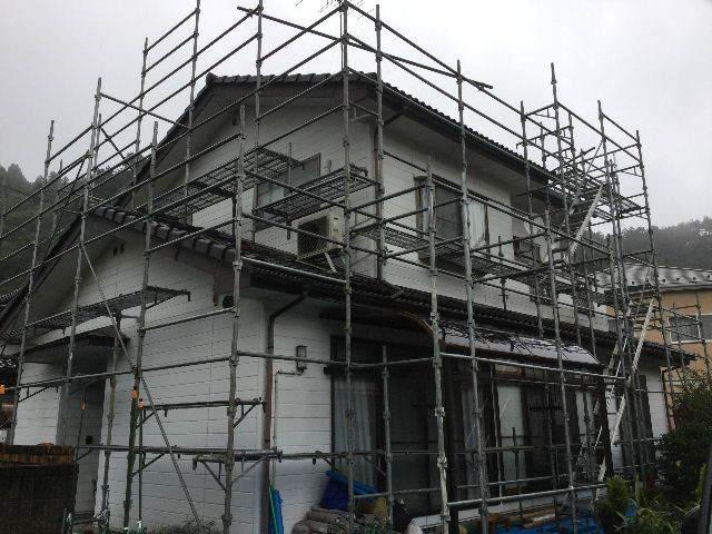 戸建て塗装・・作業初日  高圧洗浄_f0031037_18314160.jpg