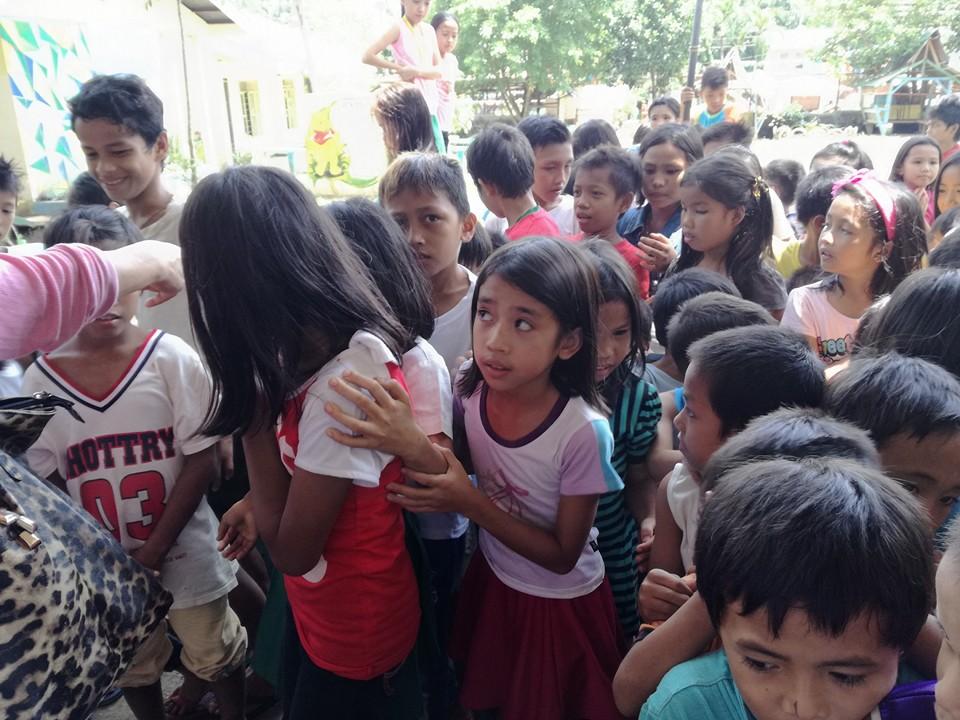 ミンダナオ島Ozamiz Litapan Elementary Schoolでの寄付活動のご報告_e0135675_12434574.jpg