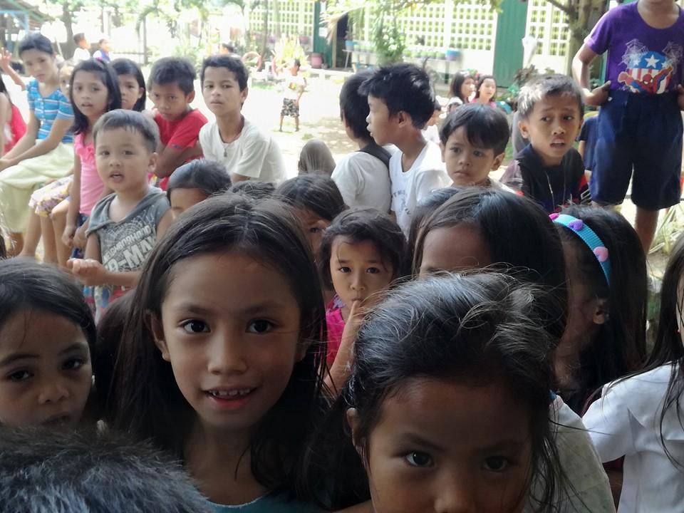 ミンダナオ島Ozamiz Litapan Elementary Schoolでの寄付活動のご報告_e0135675_12443052.jpg