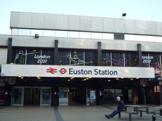 ロンドン・ユーストン駅_e0232277_12042693.jpg