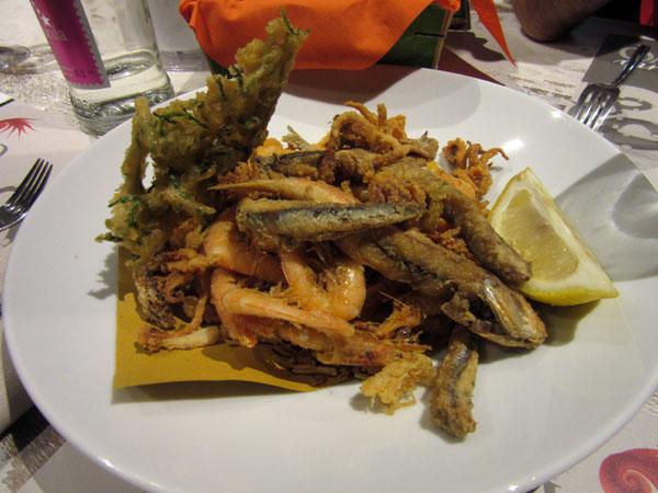 フィレンツェにまたまたお魚の美味しいお店登場!!!ーー漁師さんから直接届くから美味しい&安い!!_c0179785_0561824.jpg