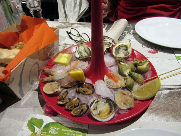 フィレンツェにまたまたお魚の美味しいお店登場!!!ーー漁師さんから直接届くから美味しい&安い!!_c0179785_1204519.jpg