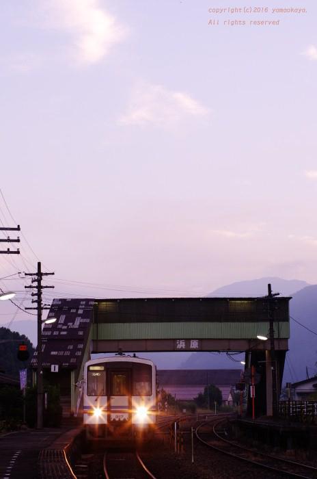 下り始発列車_d0309612_00240557.jpg
