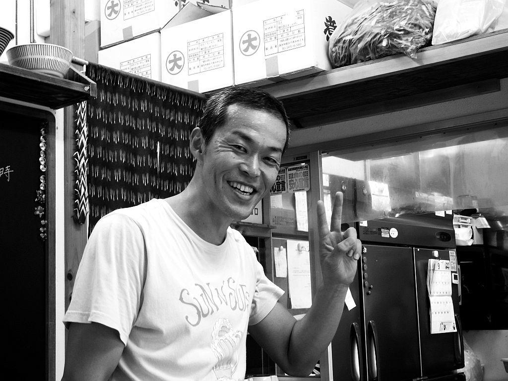 藤枝「ちっきん」で特濃煮干中華そば大盛り_e0220163_18232995.jpg
