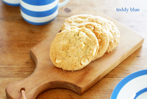 homemade white choco-chip cookies  ホワイトチョコチップクッキー_e0253364_13103710.jpg