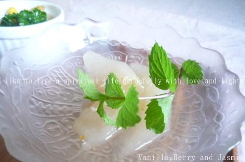 和梨のコンポート・柚子とミントの香りとともに_c0332287_11063469.jpg