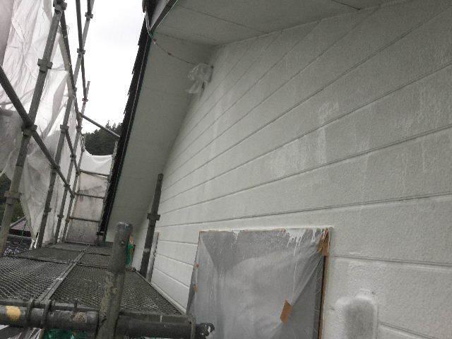 塗装工事3日目・_f0031037_18303010.jpg