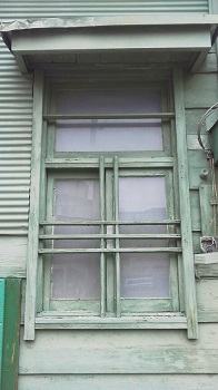 商店の窓 さいたま市(埼玉県)_e0098739_18372023.jpg