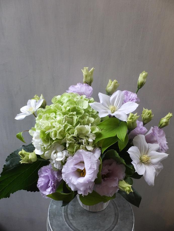 オークリーフ(秋色紫陽花を入れたお悔やみ花)_f0049672_17311198.jpg