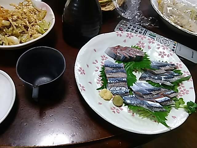 長男の料理 さんまの刺し身_f0019498_6583644.jpg