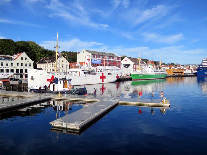 ノルウェーのリーセフィヨルドへ。_d0116009_10472419.jpg