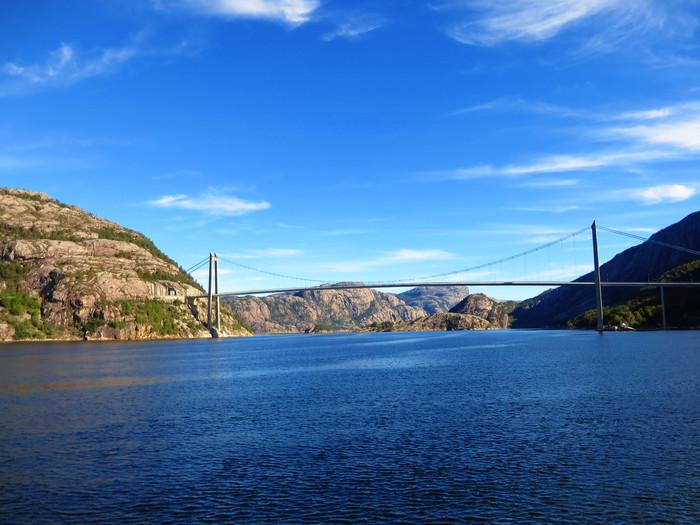 ノルウェーのリーセフィヨルドへ。_d0116009_11265414.jpg