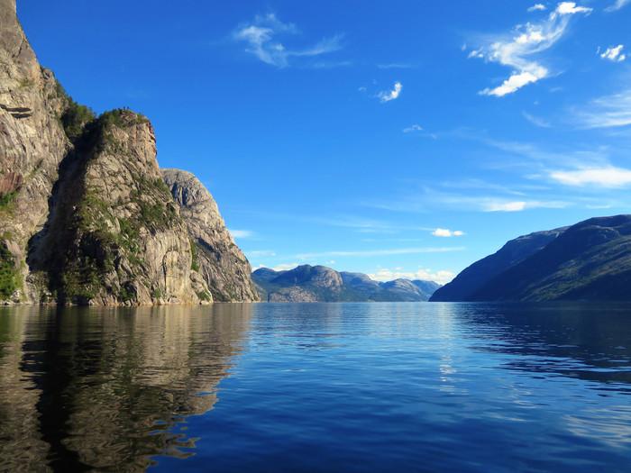 ノルウェーのリーセフィヨルドへ。_d0116009_112909.jpg