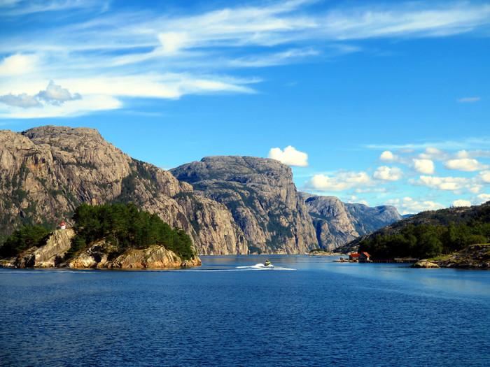 ノルウェーのリーセフィヨルドへ。_d0116009_11502259.jpg