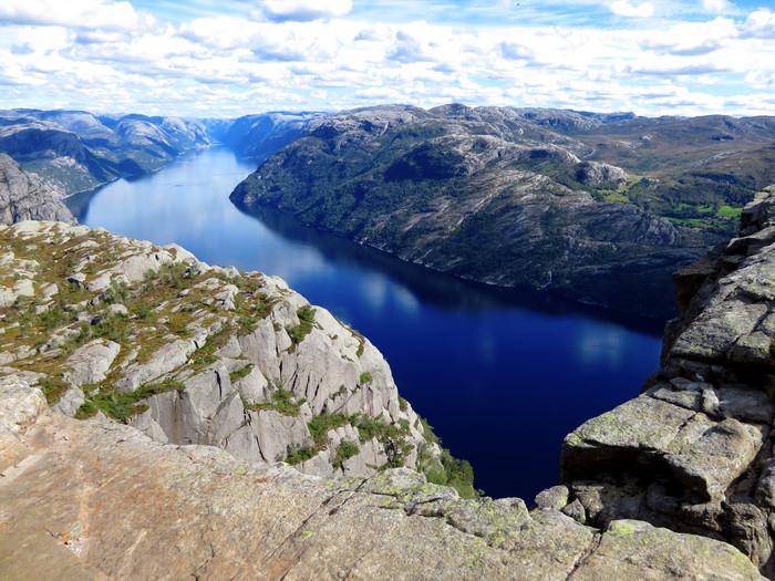 ノルウェーのリーセフィヨルドへ。_d0116009_12145563.jpg