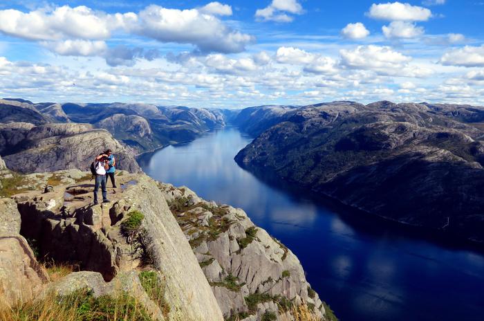 ノルウェーのリーセフィヨルドへ。_d0116009_12235629.jpg