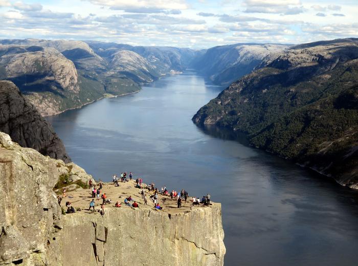 ノルウェーのリーセフィヨルドへ。_d0116009_12281789.jpg