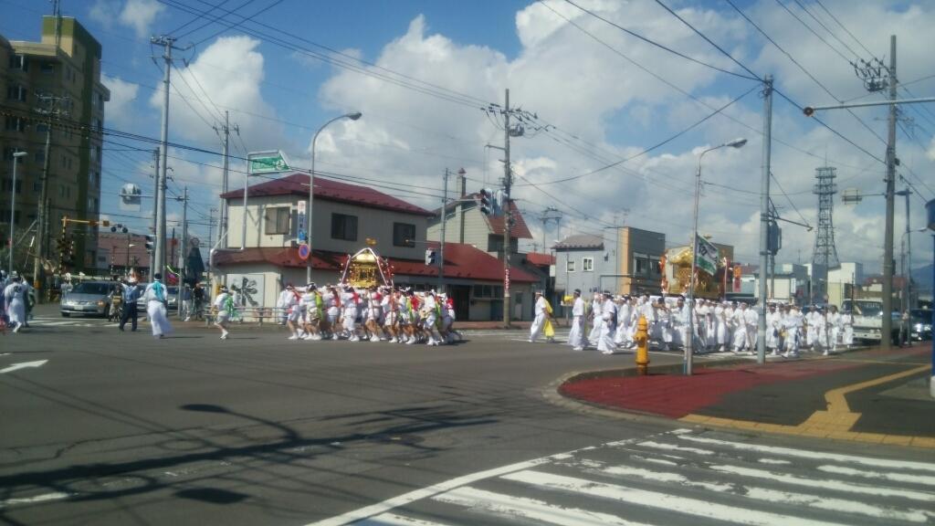 亀田八幡宮例大祭、神輿行列セラピア前通過_b0106766_00233793.jpg