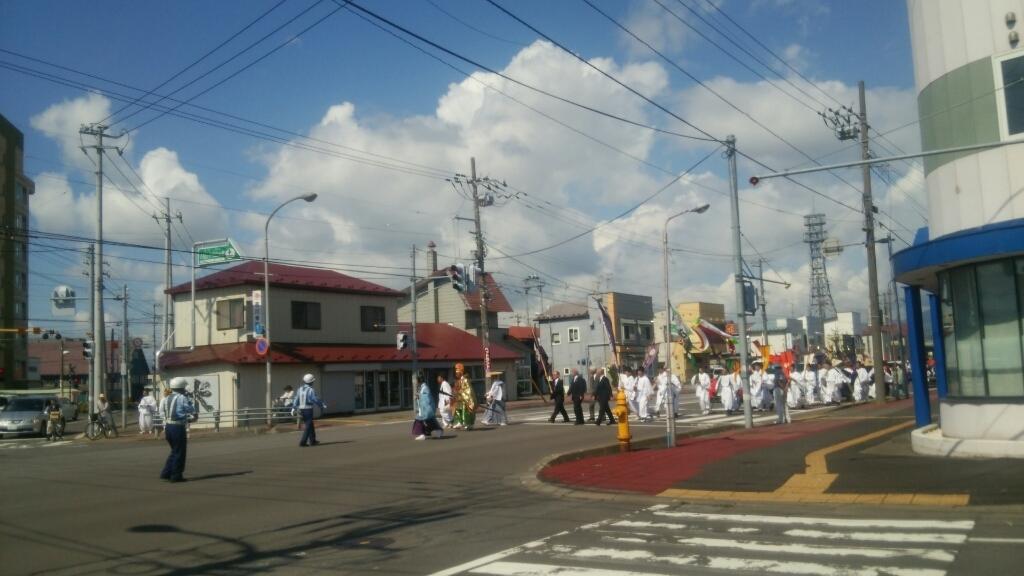亀田八幡宮例大祭、神輿行列セラピア前通過_b0106766_00233918.jpg