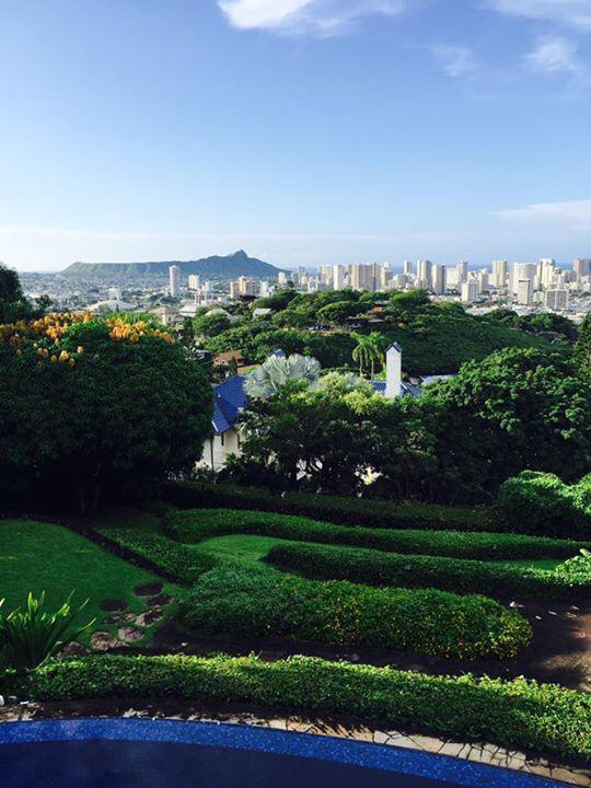 ハワイの豪邸にお邪魔しています。_f0215324_17410659.jpg