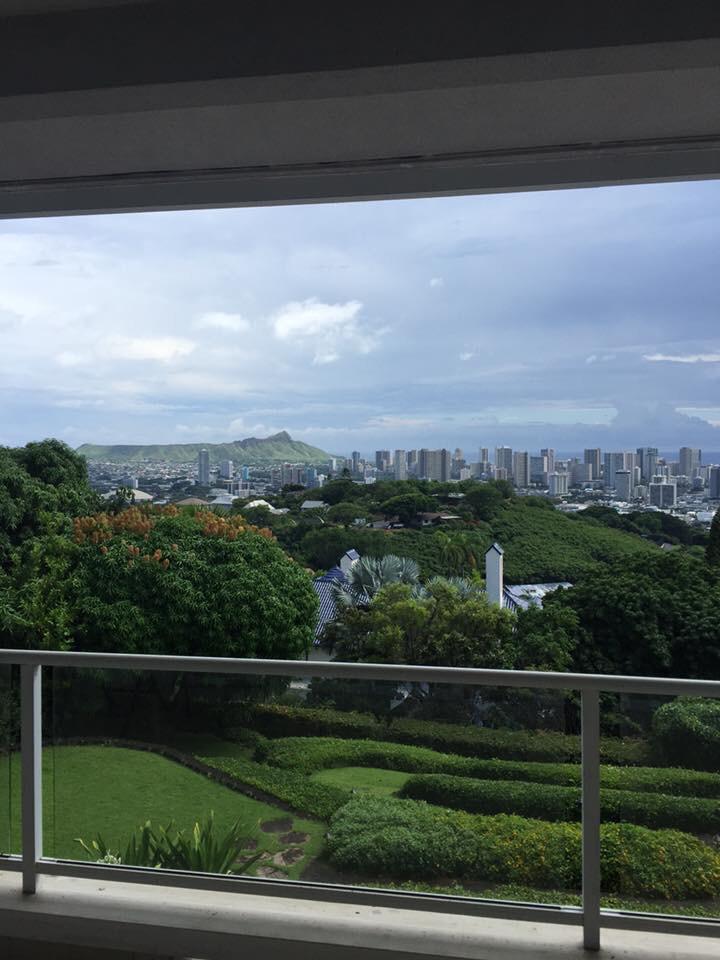 ハワイの豪邸にお邪魔しています。_f0215324_17411006.jpg