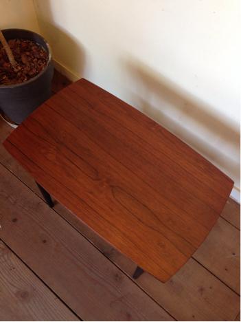 side table_c0139773_13405826.jpg