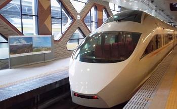 ◆ コーヒーブレイク 電車の窓 _e0098739_1284845.jpg