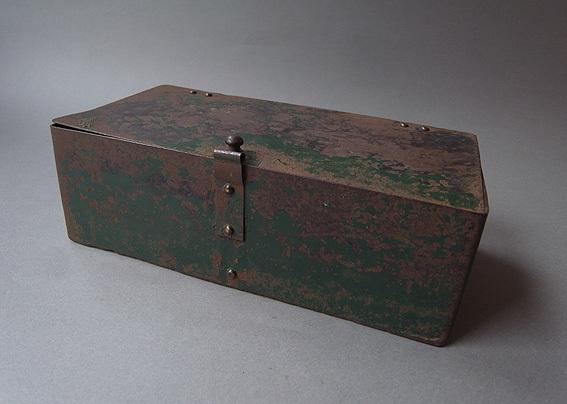 緑の鉄箱_e0111789_09592853.jpg