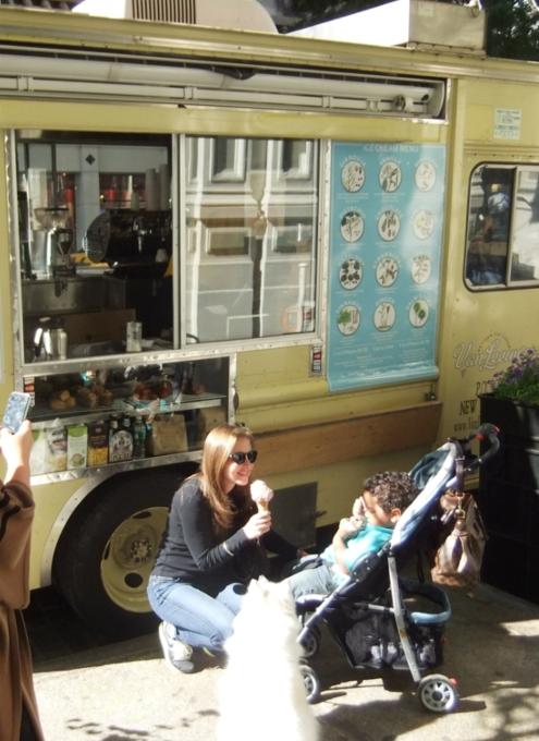 トラックからはじまったグルメなアイスクリーム、Van Leeuwen_b0007805_21245519.jpg