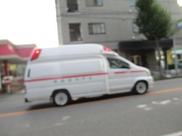 救急車の音_b0203907_15274167.jpg