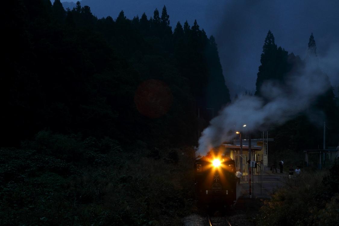 夜の駅 - 2016年秋・磐西 -  _b0190710_1852114.jpg