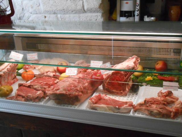オストゥーニでお肉ランチ_b0305039_0154728.jpg
