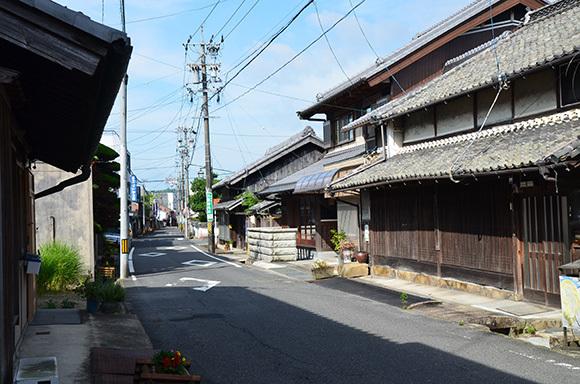 初瀬街道 阿保宿から二本木宿を行く_e0164563_09451449.jpg