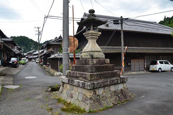 初瀬街道 阿保宿から二本木宿を行く_e0164563_09454034.jpg