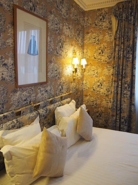 パリのホテルインテリア お部屋編 「自分なら」を考えてみましょう_f0375763_23094164.jpg