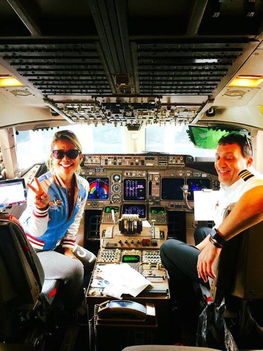 デルタのコックピットで、1日パイロット(笑)_f0215324_12392627.jpg