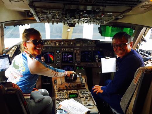 デルタのコックピットで、1日パイロット(笑)_f0215324_12392971.jpg