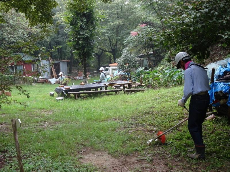 来客の対応で草刈り・・・孝子の森_c0108460_18003260.jpg