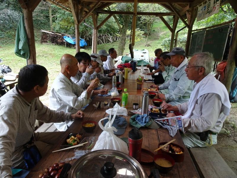 来客の対応で草刈り・・・孝子の森_c0108460_18035987.jpg