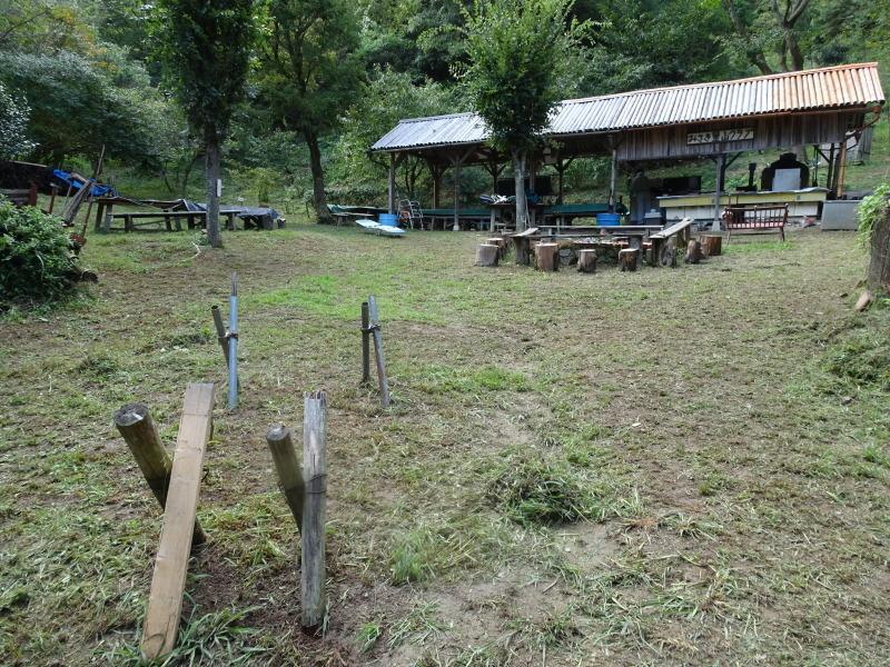 来客の対応で草刈り・・・孝子の森_c0108460_18085498.jpg