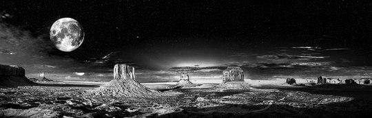 記憶の中の月(1) ~ モニュメント・バレーの月 ~_b0102572_1444999.jpg