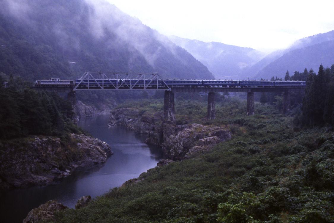 雨の日 - 1987年・高山本線 -  _b0190710_23263322.jpg