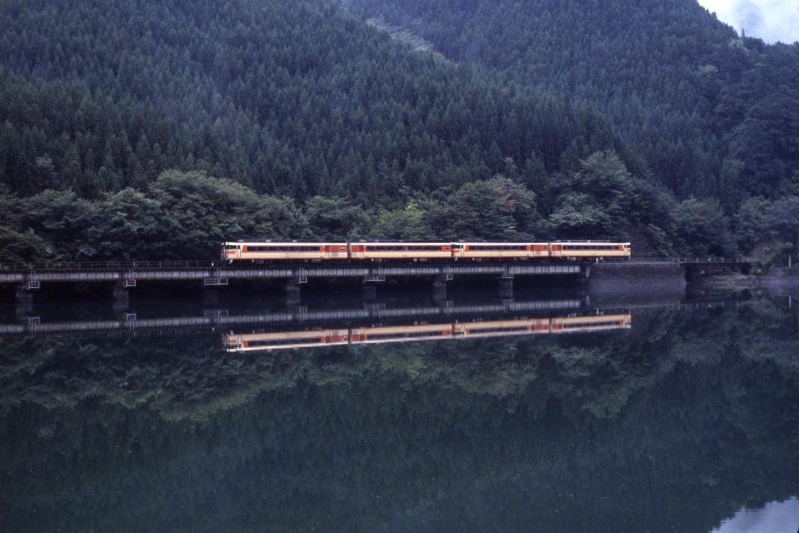 雨の日 - 1987年・高山本線 -  _b0190710_2327059.jpg
