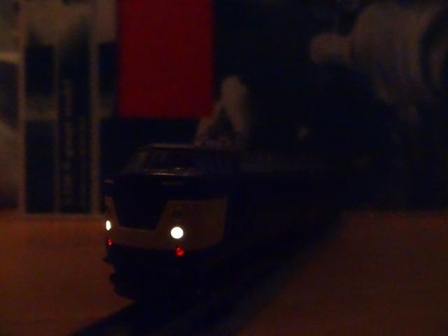 TOMIXの193系にヘッドライトを_a0359818_18085427.jpg