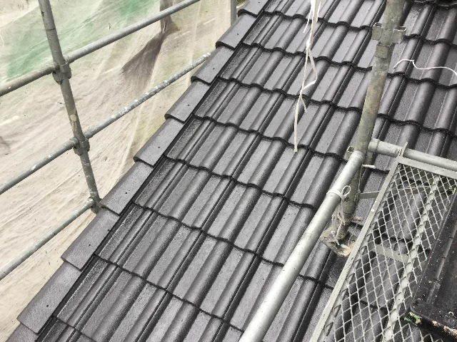 7日目・・・屋根塗装仕上げの1回目_f0031037_18344400.jpg