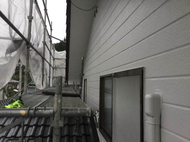 7日目・・・屋根塗装仕上げの1回目_f0031037_18345679.jpg