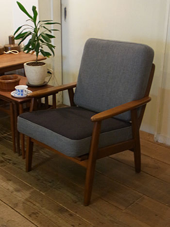 easy chair_c0139773_16270674.jpg
