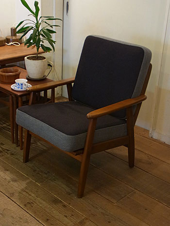 easy chair_c0139773_16271570.jpg