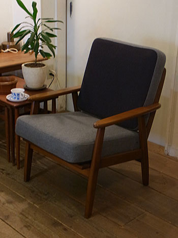 easy chair_c0139773_16272320.jpg