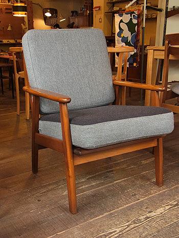 easy chair_c0139773_16282924.jpg